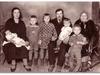 Rideļu dzirnavu īpašnieks Donāts Kambala ar ģimeni